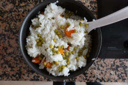 Rice with carrots and peas